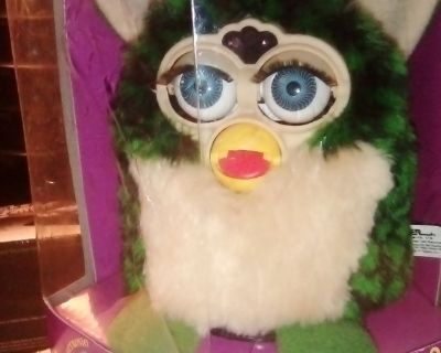 VINTAGE ELECTRONIC FURBY