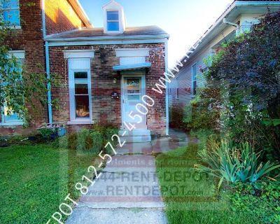 2 bedroom townhouse on Evansville's West side