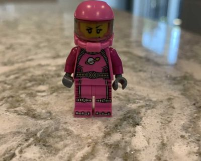 Lego Girl Astronaut