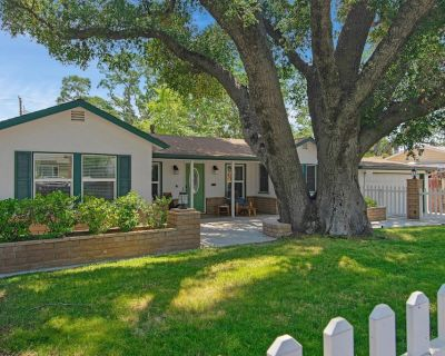 VICTORY ON VINE ST-3 Bed with Hot Tub & Pool Table - Paso Robles