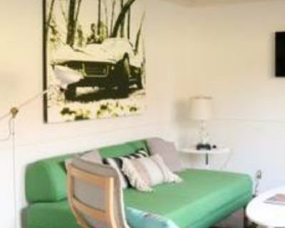$1050 1 apartment in West Los Angeles