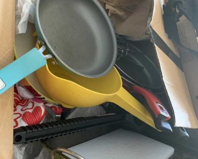Used lot of kitchen items $10 for all. Bundle