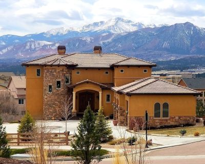 Chateau du Pikes Peak, Two Suites - Flying Horse