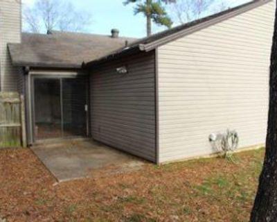 11 Oak Forest Dr, Maumelle, AR 72113 3 Bedroom Apartment