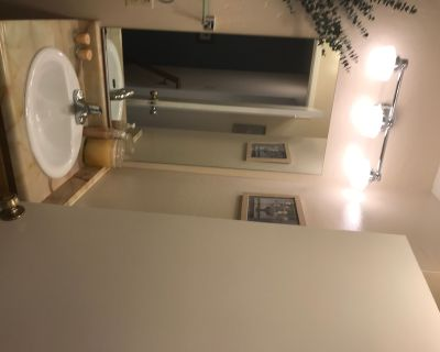 Upper Laurel District Townhouse With Two Very Large Bedrooms - Redwood Heights