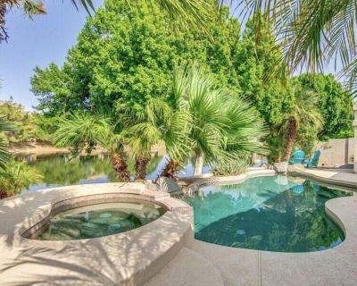 Lakefront!HEATED spa!Therapy JETS! FISHING ! Golfing!DEDICATED KIDS PLAY AREA - Chandler