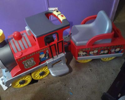 Kids ride on train with full tracks and lights and sounds