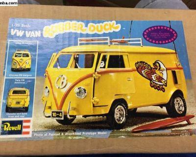 Vintage nos rubber duck bus model-nib