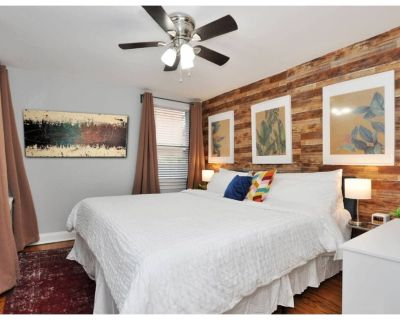 CH8| Capitol Hill *King Bed* WiFi *Dog-Ok - Eastern Market