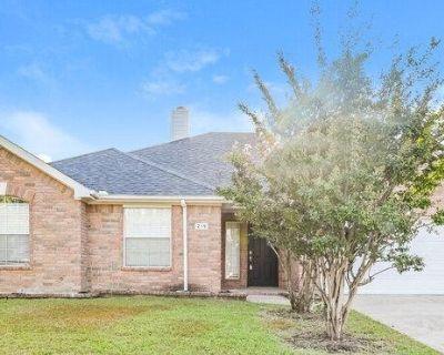 219 W Creek Dr, Royse City, TX 75189