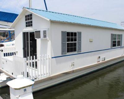 2007 Catamaran Cruisers Aqua Lodge