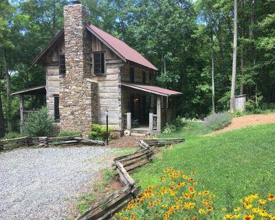 Eli Reeves Cabin at Hobbyknob Farm - Authentically restored 1820 Log Cabin - Flat Creek