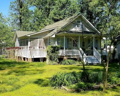 Diana's Enchanted Cottage - Colonial Beach
