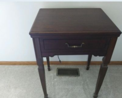 KENMORE SEWING MACHINE (IN CABINET)