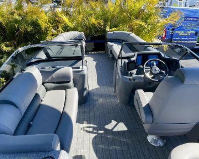 2021 Avalon Excalibur Elite Windshield 27'