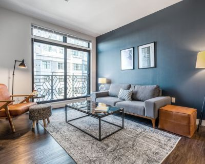 Hip Somerville 1BR w/ Gym, Doorman, nr. Assembly Row, by Blueground - Assembly Square