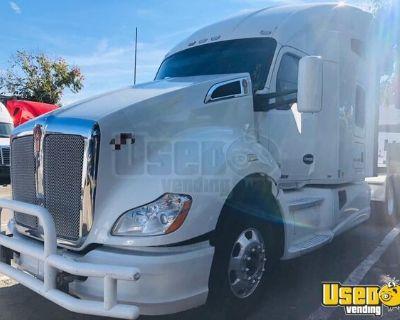 2015 Kenworth T680 Sleeper Cab Semi Truck Cummins ISX 13-Speed MT