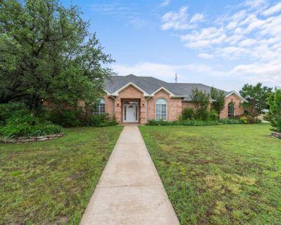 128 Lakeside Oaks Cir, Lakeside, TX 76135