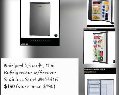 Whirlpool 4.3 cu ft. Mini Refrigerator/freezer