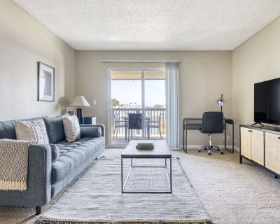Beautiful Foster City 2BR w/ Gym, Pool, W/D, near highways, by Blueground - Foster City