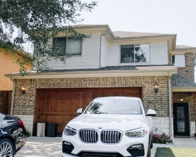 Boho Decorated Home 20 Minutes from Dallas