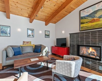 Modern Townhouse just a 3 minute walk to downtown Whitefish! Monthly Rental! - Whitefish