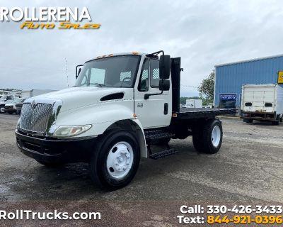 Used 2004 International 4200 Flatbed Truck