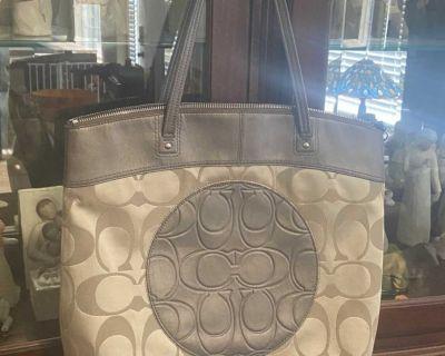 Coach F18335 Laura Signature Logo Tote Bag-Large Shopper Bag -Khaki / Copper