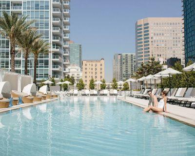 LEVEL Three Bedroom Executive Suite + Balcony - Downtown Los Angeles