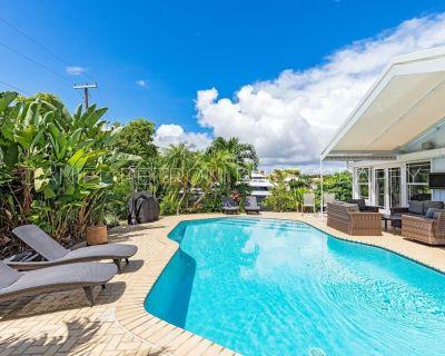 Long Term Waterfront, Billiards, Nightlife, walk to beach an amazing location! - Bermuda Riviera