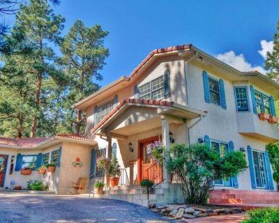 Elegant Colorado Springs Villa w/ Private Patio! - Southwest Colorado Springs