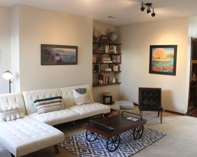 Spacious, private, with room for 4 and amenities galore! - Columbia