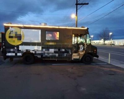 2007 Chevrolet Workhorse Food Truck / Ready to Cook Mobile Kitchen