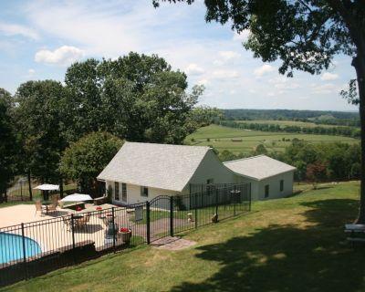 Cottage Rental (NO EVENTS ALLOWED) - Aldie