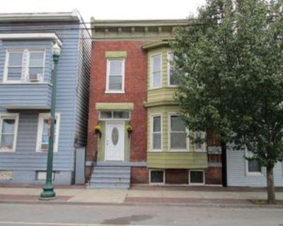 529 1st St, Troy, NY 12180 4 Bedroom Apartment