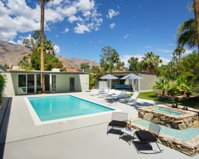 Breezy Modern Home with Pool and Cabana neighboring the famous Frank Sinatra Estate - Palm Springs