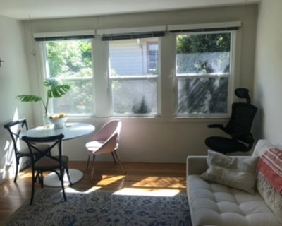 1 BR Apartment in Downtown Palo Alto