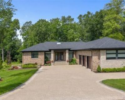 2322 Cherrylawn Ave, Bloomfield Hills, MI 48302 3 Bedroom House