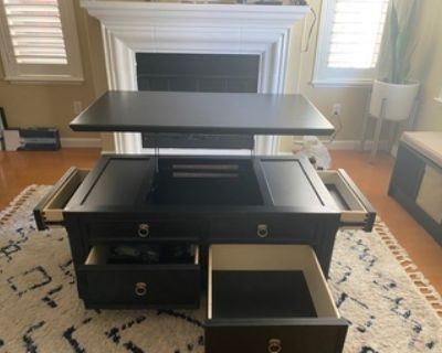For sale: Coffee table w/ Lift Top