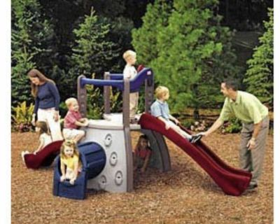 Little tikes play structure Guc