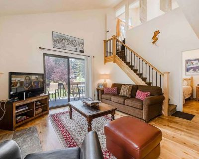 *Free Ski Rental* Free On-Call Shuttle, Outdoor Hot Tubs & Pools, Private Laundry, Keyless Entry! - Park City