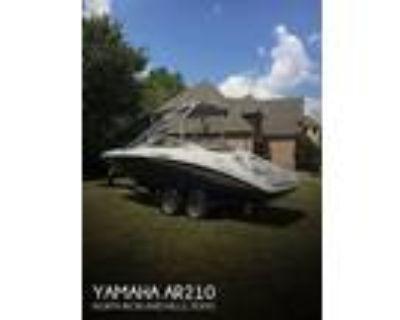 21 foot Yamaha 210