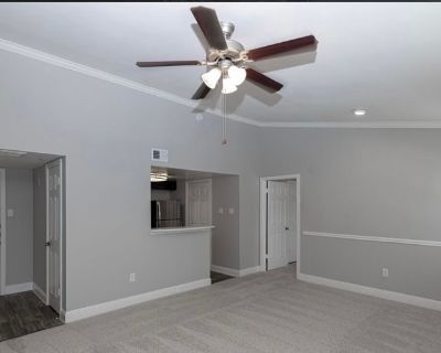 Private room with own bathroom - Grapevine , TX 76051