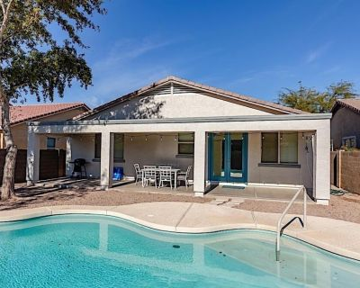 *SANITIZED* *Retreat at SanTan! Private 4BR Home w/ Heated Pool, Ping Pong Table & Game Room! - Laredo Ranch