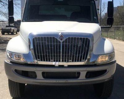 2015 International DuraStar 4300 26' Box Truck 215hp Maxxforce DT