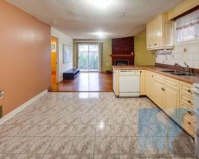 4422 Curia Crescent #MAIN LEVEL, Mississauga, ON L4Z 1 Bedroom Apartment