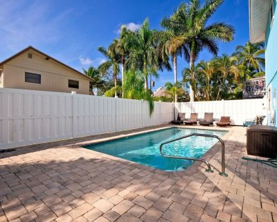 Walking Into This Great 5 Bedrooms, 4 Bathrooms Home you Will Notice the Attention to Detail That the Owners Have Taken to Make This an Extraordinary Vacation Rental - Mid Island