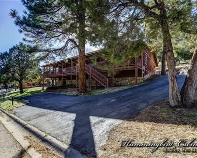 Moon Mountain Lodge: 'My family's favorite place to stay!' w/ hot tub and pool table. - Ruidoso