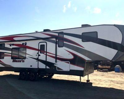 2017 Pacific Coachworks BLAZE'N 3213
