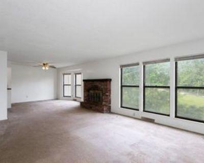 8611 Countryshire Ln #1, Kansas City, MO 64138 3 Bedroom Apartment